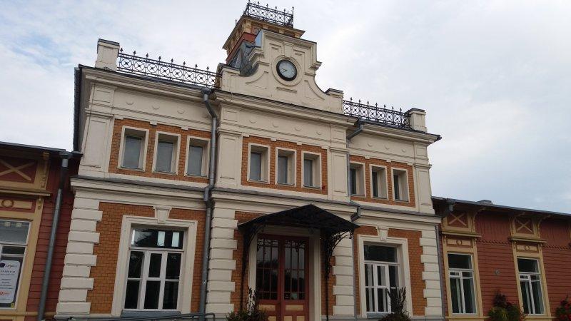 Asemarakennus rautatiemuseona (km)