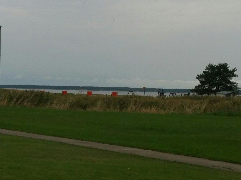 Fra Maren takana aukeava merinäkymä (as)