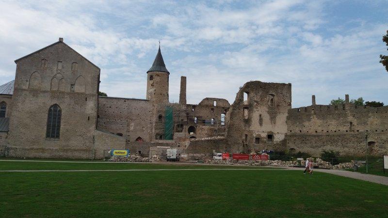 Piispanlinnan restaurointi (km)