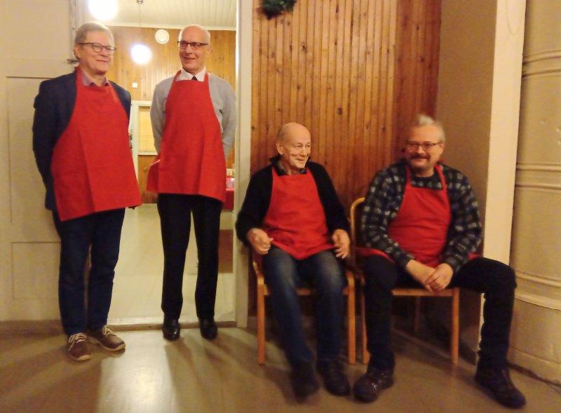 Kahvitustiimi-Jukka-Pekka-Matti-ja-Ismo