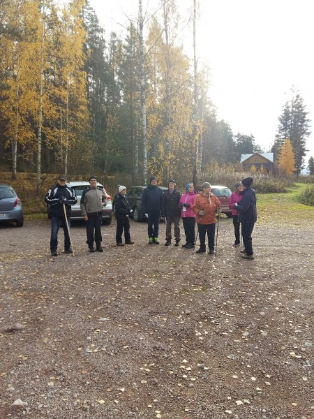 Heikki-ja-kuvaaja-puuttuu-muuten-kaikki-metsätietoa-hakevat-kuvassa